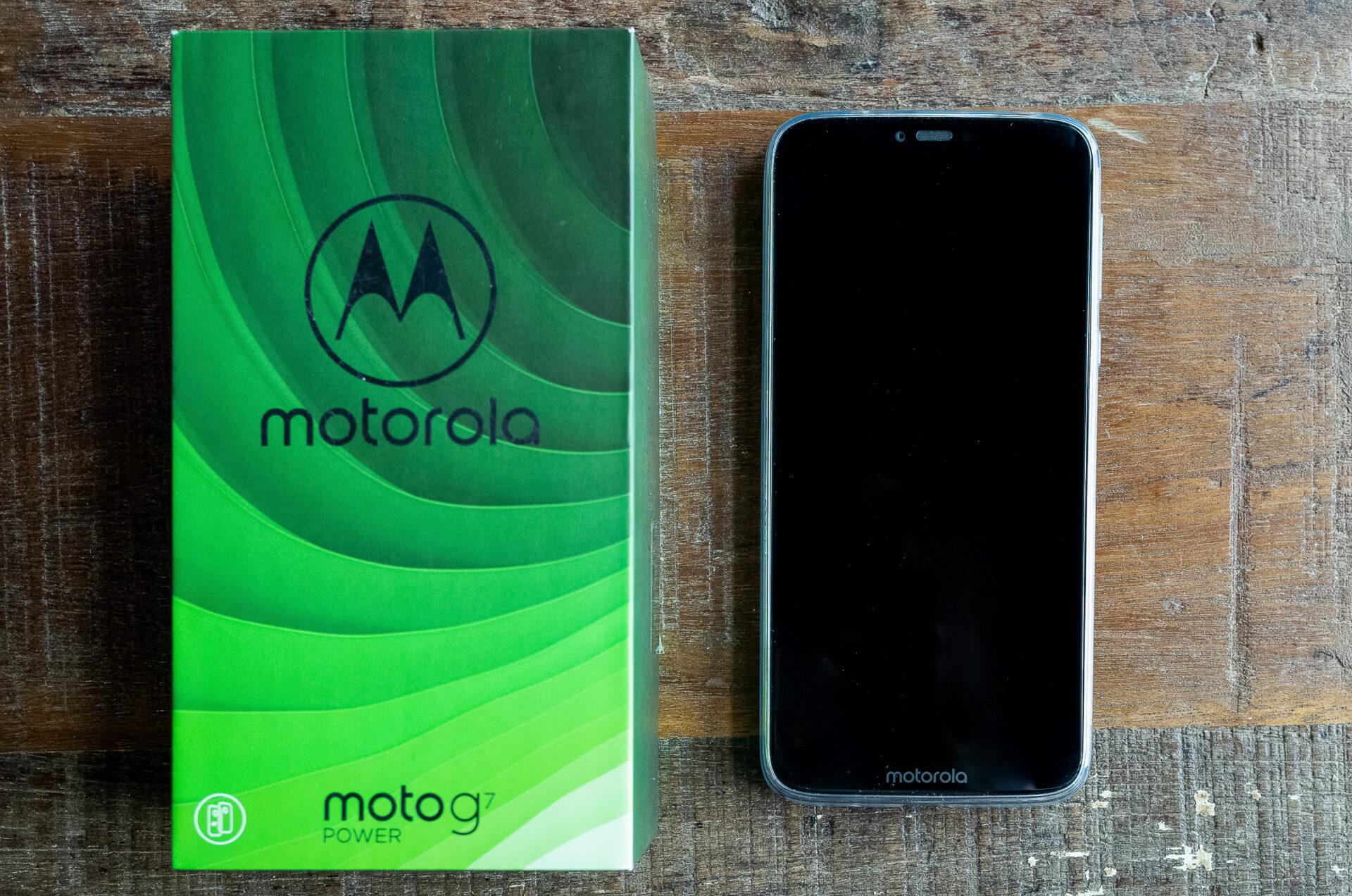 Review: Motorola G7 Power. Baterie-mamut și cea mai bună utilizare a gesturilor.