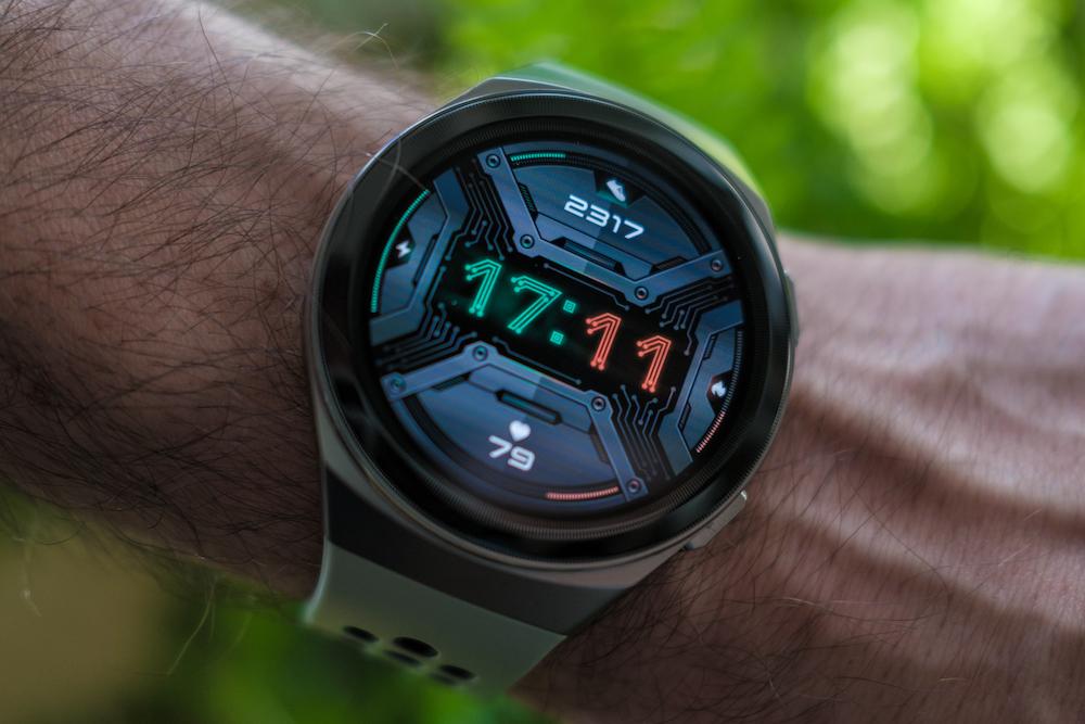 Review: HUAWEI Watch GT 2e. Un ceas pentru tineri activi.
