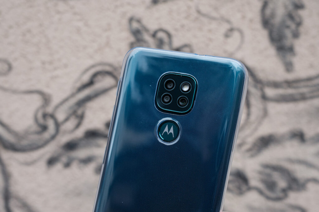Review: Moto G9 Play